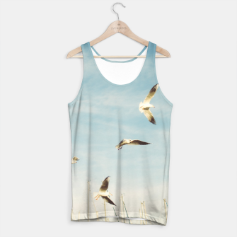 Miniatur Seagulls Flying In The Air Tank Top, Live Heroes