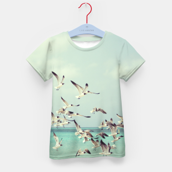 Miniatur Seagulls Flying over Beach Kid's T-shirt, Live Heroes