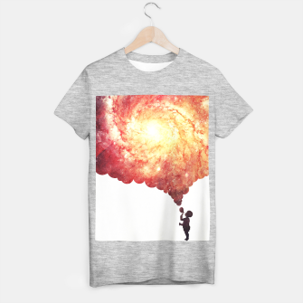 The universe in a soap-bubble! (Awesome Space / Nebula / Galaxy Negative Space Artwork) T-shirt regular obraz miniatury