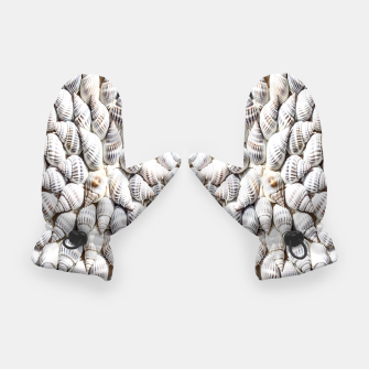 White Seashells pattern Gloves thumbnail image