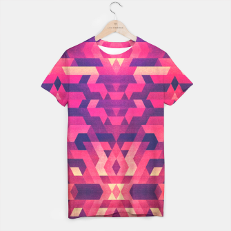 Miniature de image de Abstract Symertric geometric triangle texture pattern design in diabolic magnet future red T-shirt, Live Heroes
