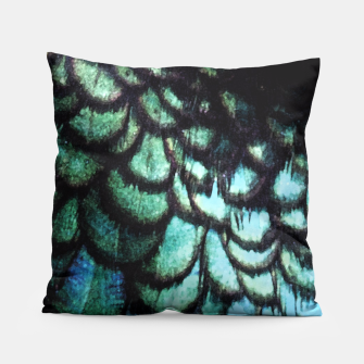 Miniatur blue feathered collier Pillow, Live Heroes
