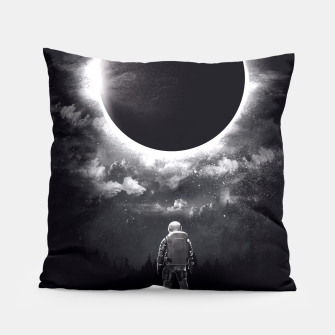 Miniaturka Eclipse Pillow, Live Heroes