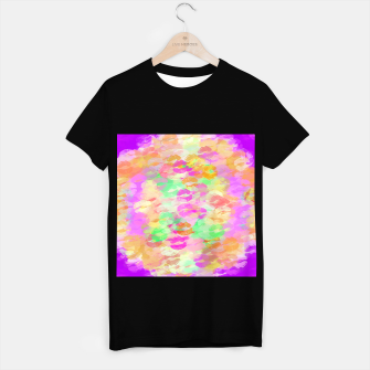 Imagen en miniatura de sexy kiss lipstick abstract pattern in pink orange yellow green T-shirt regular, Live Heroes