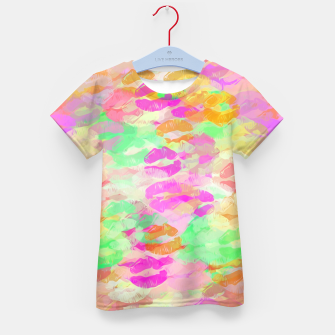 Miniatur sexy kiss lipstick abstract pattern in pink orange yellow green Kid's T-shirt, Live Heroes