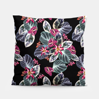 Miniaturka Tropical print with leaves and flowers Pillow, Live Heroes