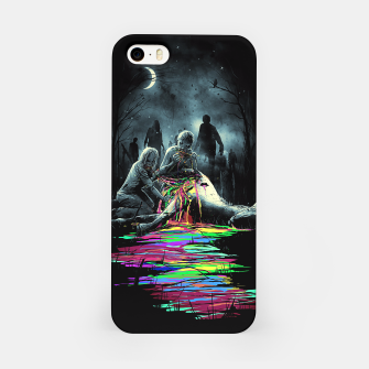 Imagen en miniatura de Midnight Snack iPhone Case, Live Heroes