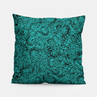 Miniatur Insect Skull Pillow, Live Heroes