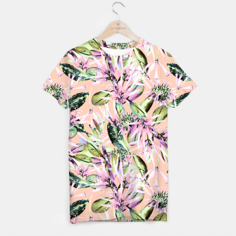 Thumbnail image of Abstract of exotic nature pink I Camiseta, Live Heroes