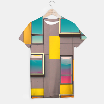 Miniatur Facade in front of the mountains T-shirt, Live Heroes