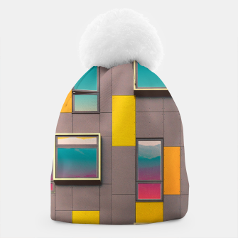 Miniatur Facade in front of the mountains Beanie, Live Heroes
