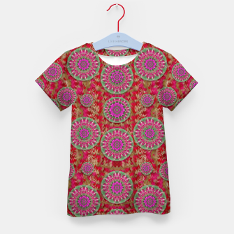 Miniatur Hearts can also be flowers such as bleeding hearts pop art Kid's T-shirt, Live Heroes