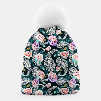 Miniature de image de Dark pattern of flowers and paisley Gorro, Live Heroes