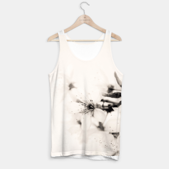 Miniaturka Monochrome Blossoms Close-up Tank Top, Live Heroes