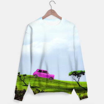 Miniaturka pink classic car on the green mountain with cloudy blue sky Sweater, Live Heroes