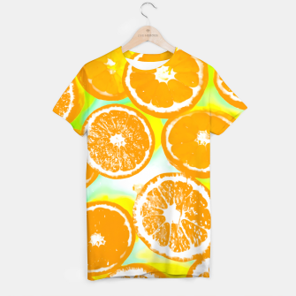 juicy orange pattern abstract with yellow and green background T-shirt imagen en miniatura