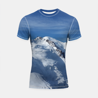 Awesome white snowy Mont Blanc Alps mountains in Italy, France, Europe on a beautiful winter day Shortsleeve Rashguard Bild der Miniatur