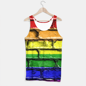 Miniaturka Colorful LGBT rainbow pride flag brick wall Tank Top, Live Heroes