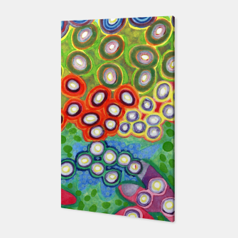 Miniatur Colorful Circles Swimming in Green Canvas, Live Heroes