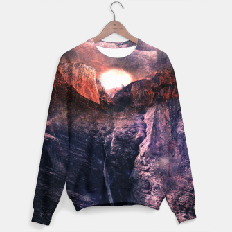 Thumbnail image of Space Sommer Sweater, Live Heroes