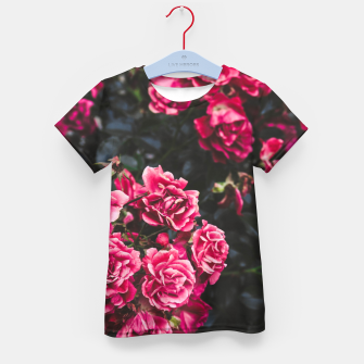 Shades of red Kid's T-shirt Bild der Miniatur