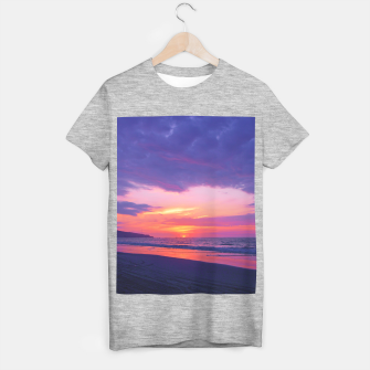 Thumbnail image of Broken sunset by #Bizzartino T-shirt regular, Live Heroes