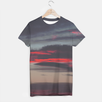 Thumbnail image of Beautiful image of the sky as night falls T-shirt, Live Heroes