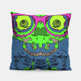 Miniature de image de green funny skull art portrait with pink glasses and blue background Pillow, Live Heroes