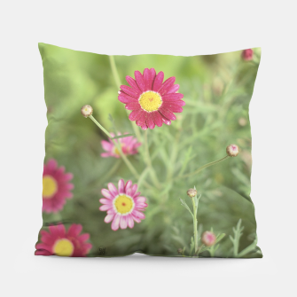 Thumbnail image of Pink flowers Almohada, Live Heroes