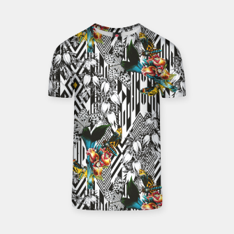 Thumbnail image of Flowery Geometric Mosaic With Butterflies Camiseta, Live Heroes