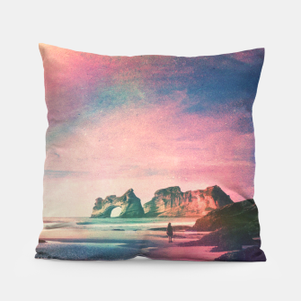 The Traveler Pillow Bild der Miniatur