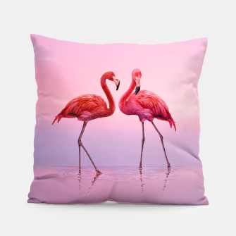 Miniatur Flamingos in Pink Pillow, Live Heroes