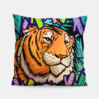 Imagen en miniatura de tiger in the undergrowth  Pillow, Live Heroes