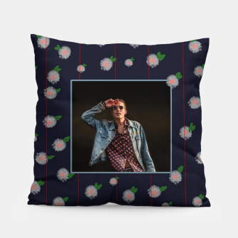 Thumbnail image of G Eazy Coussin, Live Heroes