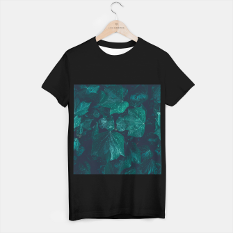 Thumbnail image of Dark emerald green ivy leaves water drops T-shirt regular, Live Heroes