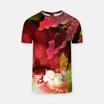 "Imagen en miniatura de ""Exotic Woman Tropical Jungle"" Camiseta, Live Heroes"
