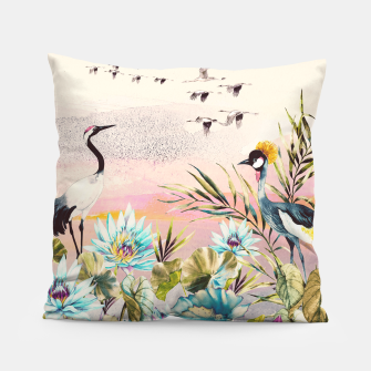 Thumbnail image of Landscapes of birds in paradise Almohada, Live Heroes