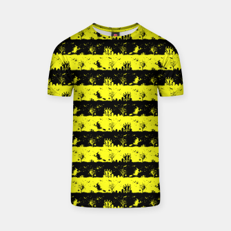 Cats Eye Yellow and Black Halloween Nightmare Stripes  T-shirt thumbnail image