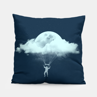 Miniaturka THROUGH THE CLOUDS Pillow, Live Heroes