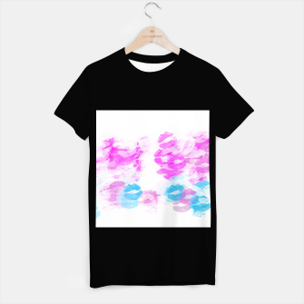 Miniaturka kisses lipstick pattern abstract background in pink and blue T-shirt regular, Live Heroes