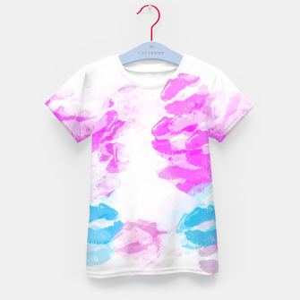 Miniature de image de kisses lipstick pattern abstract background in pink and blue Kid's t-shirt, Live Heroes