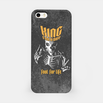 Miniatur King For A Day Skull iPhone Case, Live Heroes