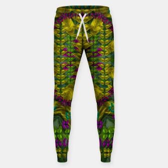 Miniatur Butterfly flower jungle and full of leaves everywhere  Cotton sweatpants, Live Heroes