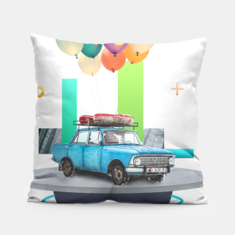 Miniatur Flying Car Pillow, Live Heroes