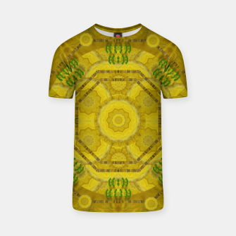 Miniaturka  sunshine feathers and fauna ornate T-shirt, Live Heroes