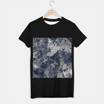 Thumbnail image of vintage psychedelic geometric triangle polygon pattern abstract background in black and white T-shirt regular, Live Heroes