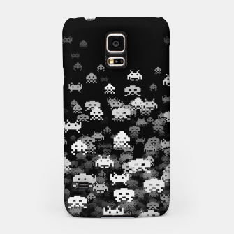 Thumbnail image of Invaded BLACK retro gaming pattern for gamer geeks Samsung Case, Live Heroes