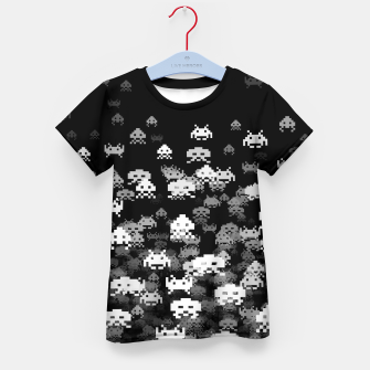 Thumbnail image of Invaded BLACK retro gaming pattern for gamer geeks Kid's t-shirt, Live Heroes