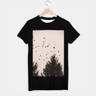 Miniatur Flying birds and pine trees T-shirt regular, Live Heroes