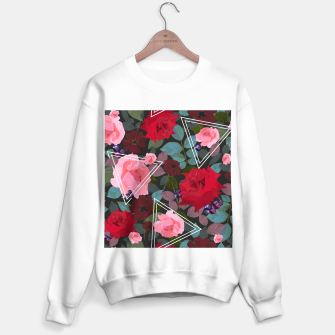 Miniature de image de Triangles with vintage red pink roses and chocalate cosmos flower pattern Sweater regular, Live Heroes